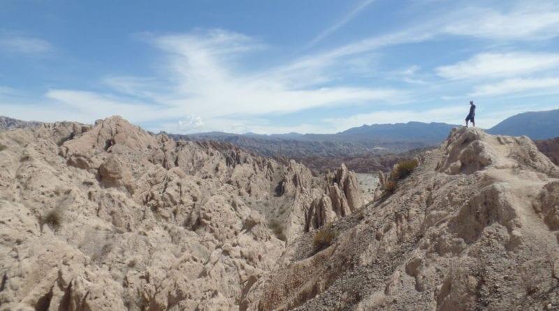 Paradinha para foto em El Ventisquero, caminho de Cayate a Salta, Ruta 40, Argentina